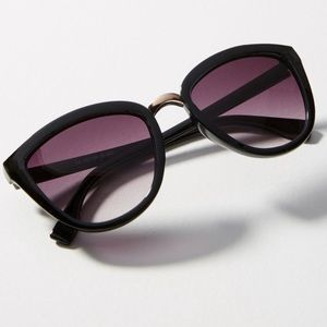 Black Kankakee Cat-Eye Gradient Sunglasses